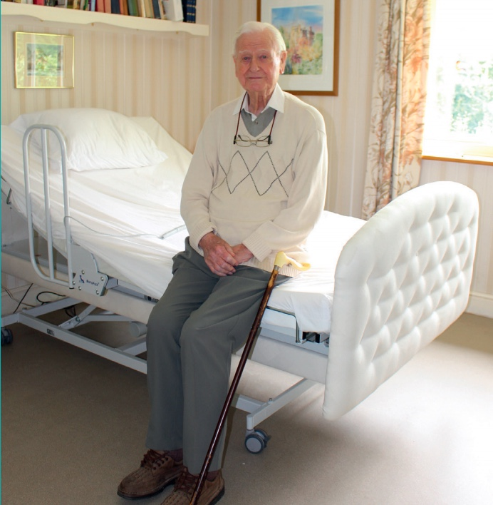 Heroic Battle of Britain pilot Tom retains independence with Rotoflex rotating bed